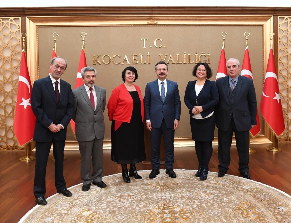 Kocaeli Medya Mensupları Cemiyet Başkanı ve Yönetim Kurulu Üyeleri Vali AKSOY'u Ziyaret Etti